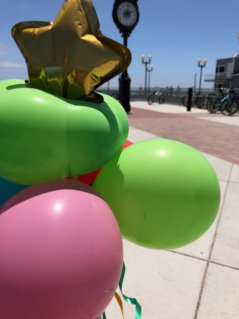 BalloonArt-jcaaec-sealbeach-balloonwand